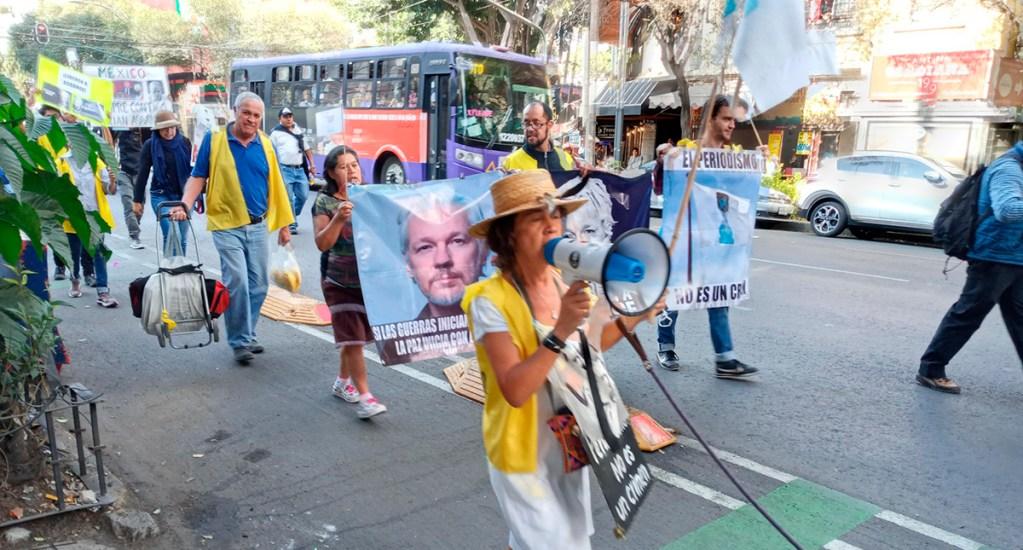 Se manifiestan en la Ciudad de México contra extradición de Assange - Manifestación en la CDMX a favor de Julian Assange. Foto de @Assange_libre