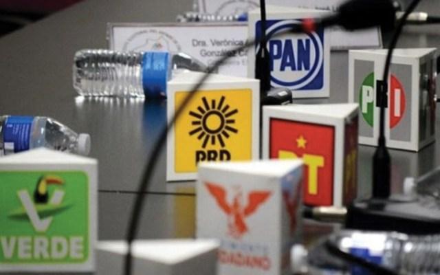 AMLO 'balconea' a partidos políticos ante emergencia por COVID-19 - Foto de Forbes