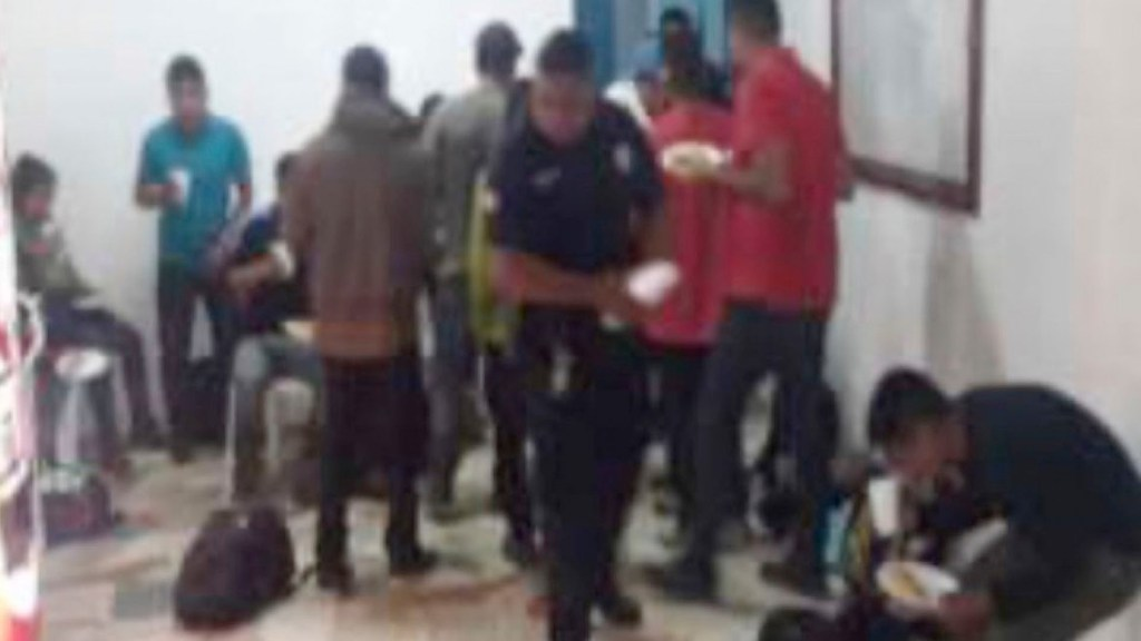 Rescatan a 19 migrantes centroamericanos en Veracruz - Rescatan a 19 migrantes centroamericanos en Veracruz