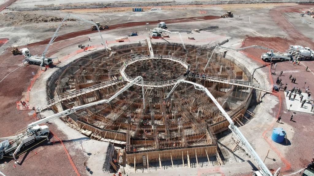 Santa Lucía lleva avance de 5.40 por ciento - En la foto, la construcción del aeropuerto de Santa Lucía. Foto de Notimex