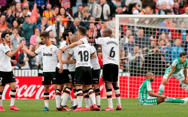 Valencia vence a Betis y sigue invicto en Mestalla - Valencia vence a Betis y sigue invicto en el Mestalla