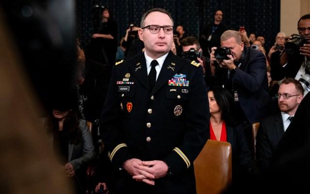 Despiden de la Casa Blanca a testigo clave del impeachment contra Trump - La Casa Blanca despidió este viernes al teniente coronel Alexander S. Vindman, cuyo testimonio en las audiencias de juicio político enfureció al presidente Trump