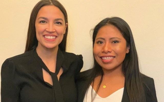 Yalitza Aparicio se reúne con Alexandria Ocasio-Cortez en Washington - Foto de @YalitzaAparicio