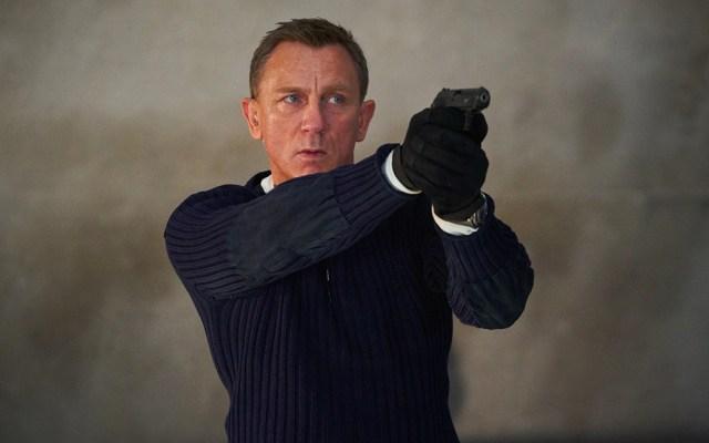 """""""James Bond: No Time To Die"""" retrasa su estreno hasta noviembre por COVID-19 - Dos de los clubes de fans más populares de James Bond publicaron una carta abierta a los productores en la que pidieron el retraso del estreno por el coronavirus"""