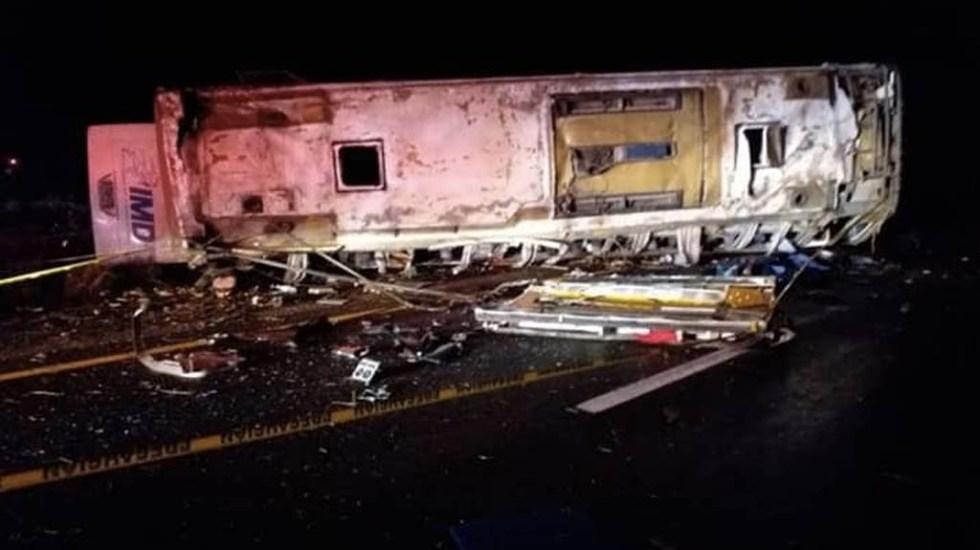 Volcadura deja seis muertos en Sonora - Accidente camión Sonora muertos heridos