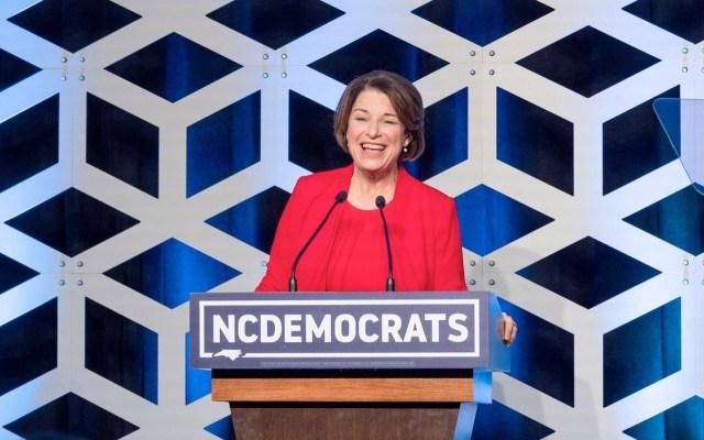 Amy Klobuchar abandona carrera presidencial demócrata; apoyará a Biden - Amy Klobuchar abandona carrera presidencial demócrata; apoyará a Biden
