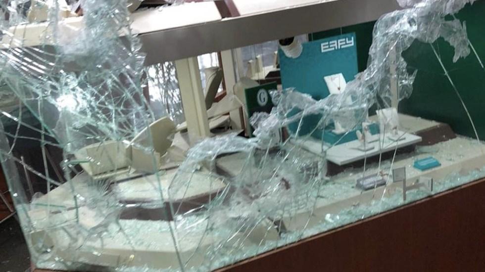 Sujetos armados asaltan joyería en Galerías Metepec - Galerías Metepec