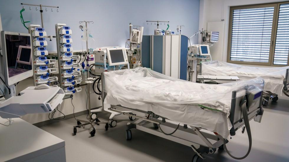 Evalúan prototipos de ventiladores fabricados en México - Cama con ventilador para pacientes graves de COVID-19, en el Hospital Vivantes Humboldt en Berlín, Alemania. Foto de EFE