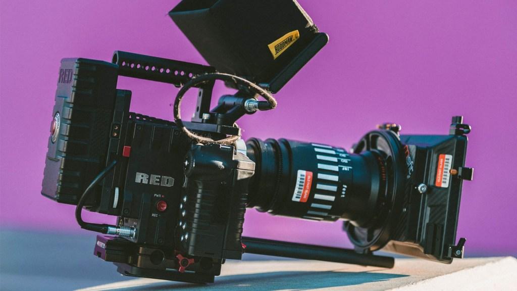 Organización de cine para adultos pide frenar rodajes en marzo por COVID-19 - Cámara video set grabación