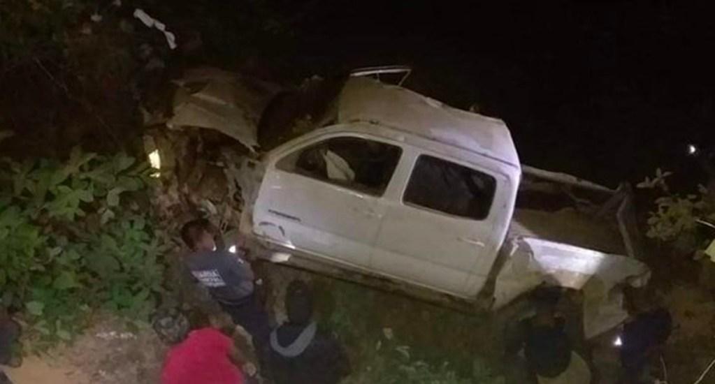 Nueve muertos y cinco heridos por accidente automovilístico en Guerrero - La camioneta cayó a un barranco de 230 metros de profundidad en Ocotlán; las víctimas se encuentran en calidad de desconocidas