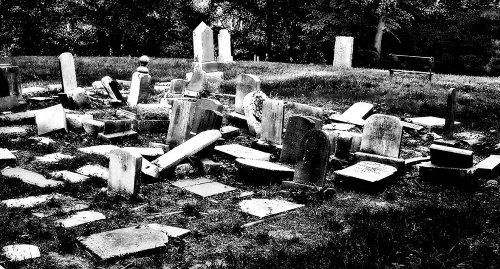 Hallan 44 tumbas debajo de estacionamiento de centro escolar en Florida - Cementerio Zion en Georgetown, Washington DC. Foto de @ncindc / Flickr
