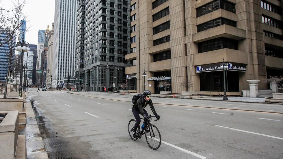 Casi 10 millones de personas han perdido su empleo en EE.UU. por crisis de COVID-19 - Illinois stay at home order