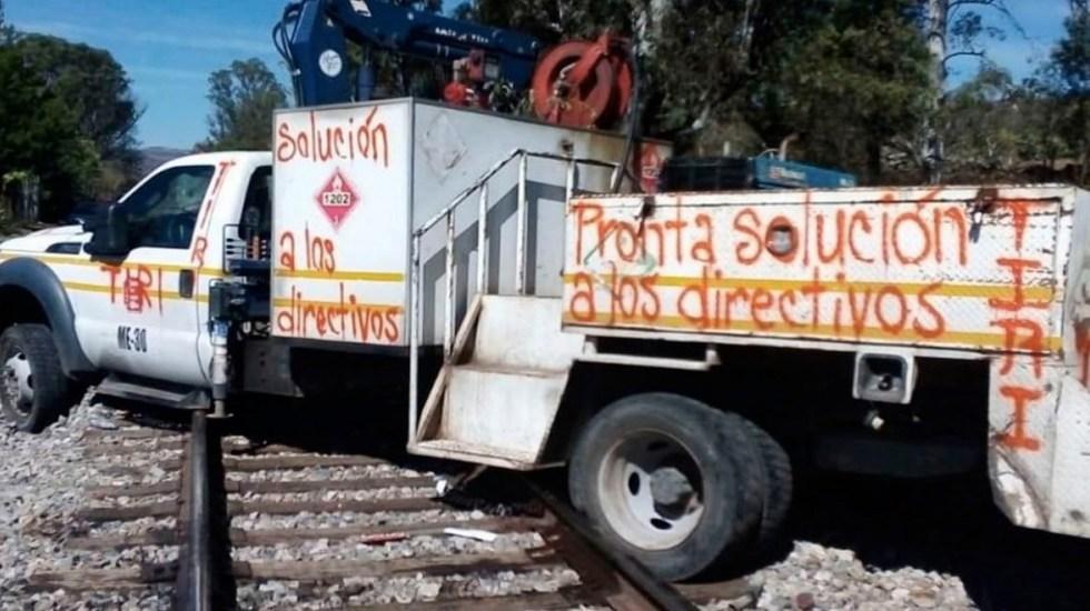 Continúa bloqueo de normalistas en vías ferroviarias de Michoacán - Continúa bloqueo de normalistas en vías ferroviarias de Michoacán