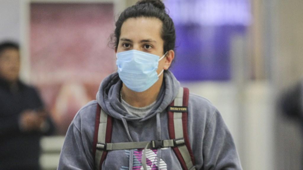 Suman cinco casos de COVID-19 en Nuevo León - Coronavirus COVID-19 México cubrebocas