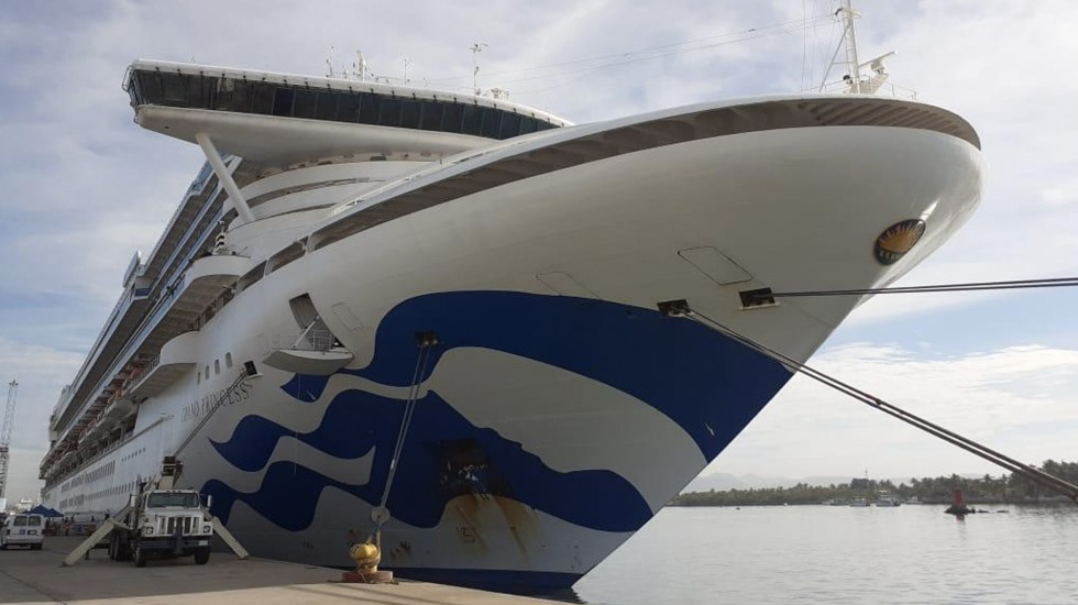 Descartan casos de COVID-19 en Sinaloa - El crucero Princess en Mazatlán. Foto de Ríodoce