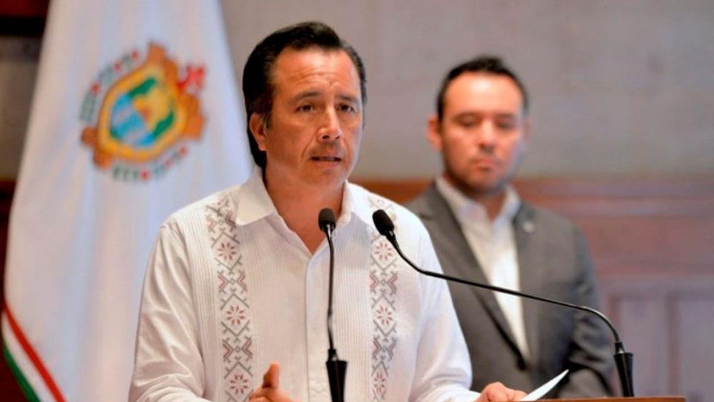 #Video Cuitláhuac García detiene discurso tras no encontrar comunicado - Cuitláhuac García