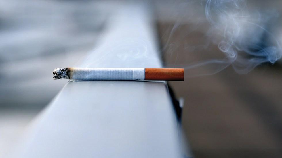 Tabaquismo se asocia con un mayor riesgo de morir por COVID-19 - Foto de Andres Siimon @johnmcclane