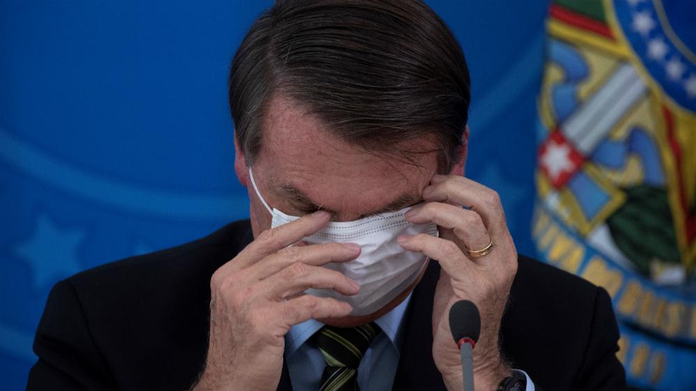 Dos ministros que viajaron a EE.UU. con Bolsonaro dan positivo a COVID-19 - Foto de EFE