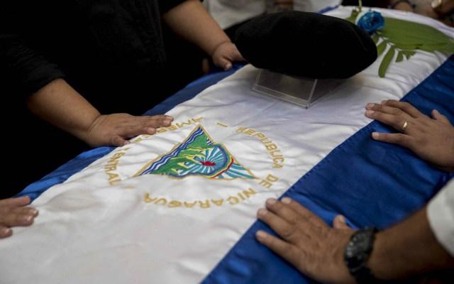 #Video Sandinistas agreden a familiares de Ernesto Cardenal tras misa en Managua - Managua Nicaragua Ernesto Cardenal misa