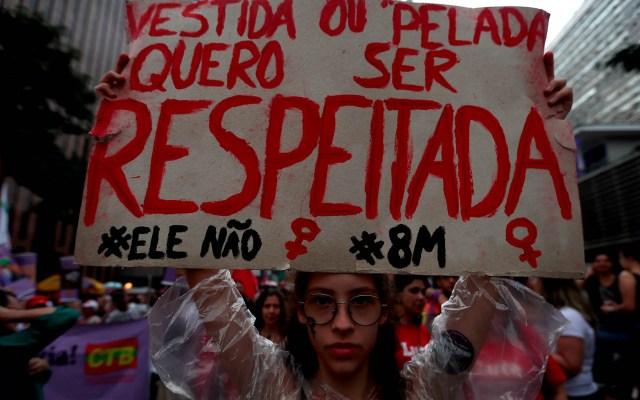 Mujeres en Latinoamérica exigen un alto a los feminicidios - Marcha feminista Brasil mujeres