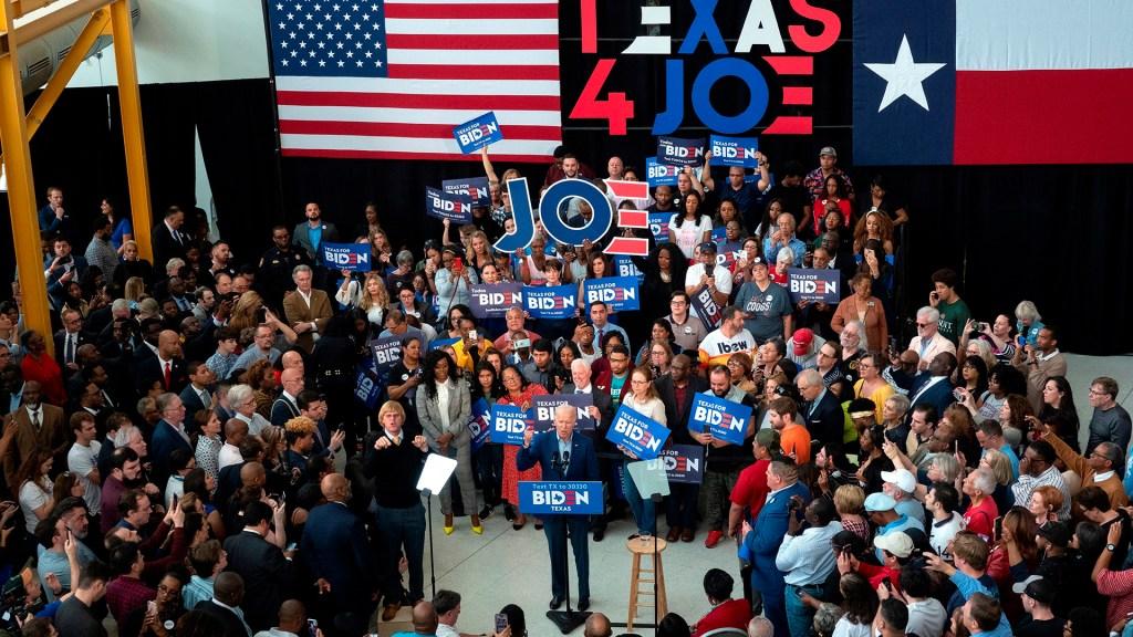 Demócratas celebrarán convención virtual para nominar a Biden como candidato - Mitin de Joe Biden en el Centro de Ciencias de la Texas Southern University de Houston. Foto de EFE