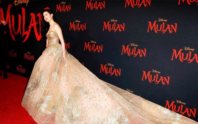 'Mulan' celebra estreno mundial en Hollywood pese a alerta por COVID-19 - Mulan se estrenó con gran asisitencia, pese a que días antes la industria cinematográfica especulase con su cancelación por la crisis del coronavirus