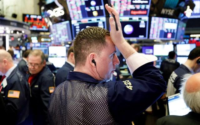 Wall Street se desploma en la apertura y se paralizan las operaciones - Foto de EFE