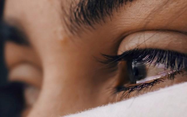 Una de cada 20 jóvenes de entre 15 y 19 años ha sido violada, denuncia UNICEF - Ojos de mujer. Foto de Luis Galvez / Unsplash
