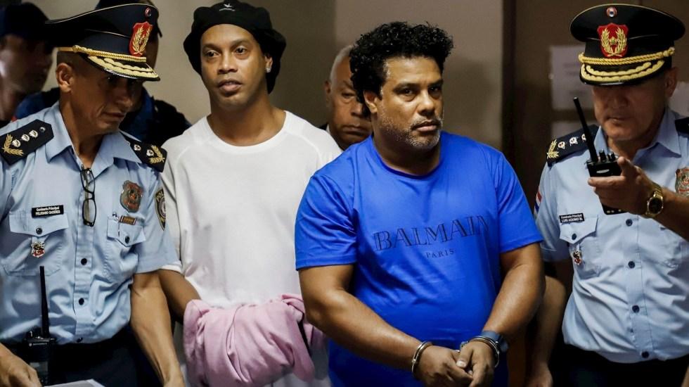 Ordenan prisión preventiva a Ronaldinho en Paraguay - Foto de EFE