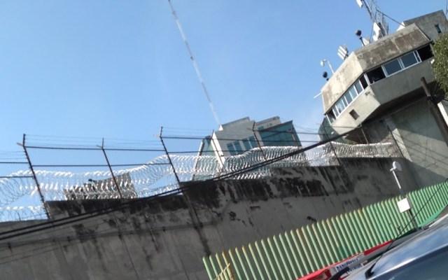 Riña en penal de Tlalnepantla deja un interno muerto - Vista exterior del penal de Tlalnepantla. Foto de Google Maps / Sandyval