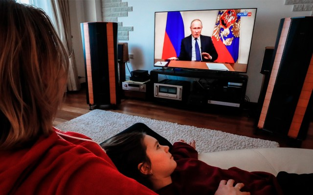 Putin aplaza plebiscito constitucional por COVID-19 - El presidente de Rusia declaró la próxima semana no laborable en todo el país para contener la propagación del coronavirus COVID-19
