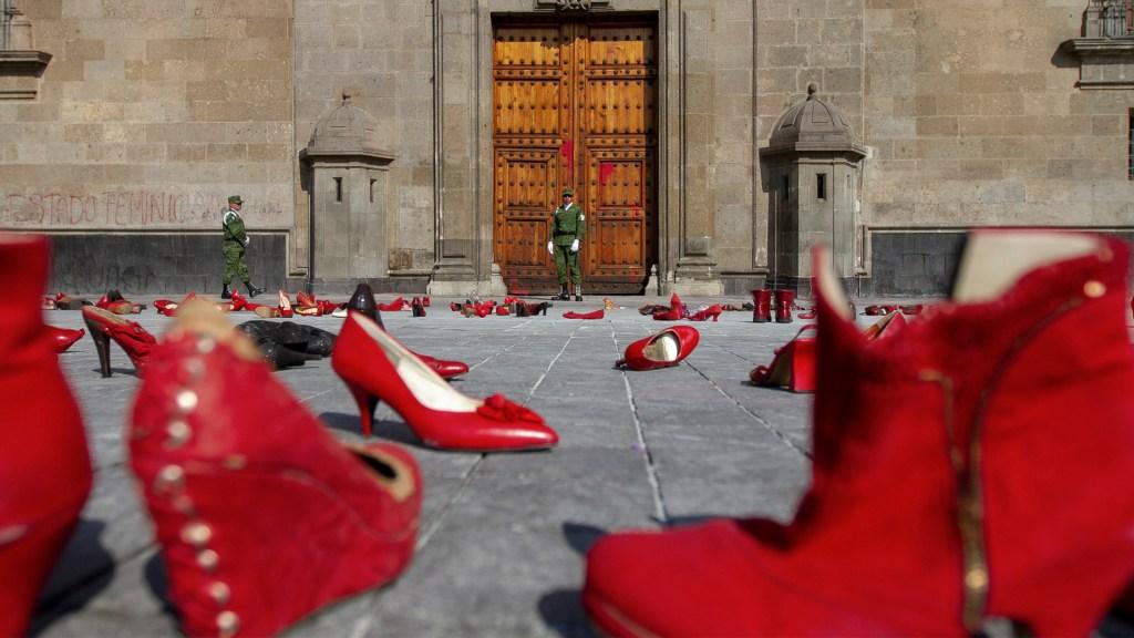 #UnDíaSinNosotras Mujeres de todo el país se unen a paro nacional - Foto de Notimex