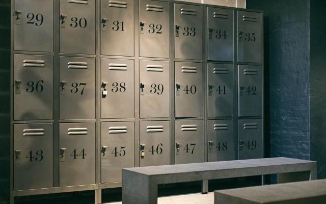 MLS, NBA, MLB y NHL limitan acceso a vestidores por coronavirus - Vestidor lockers deportes