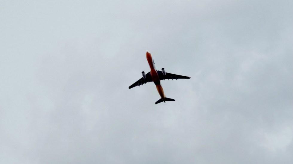 Cerrar vuelos con Reino Unido no tendría contribución específica para reducir riesgo ante nueva cepa de SARS-CoV-2, dijo López-Gatell - Foto de KT para Unsplash