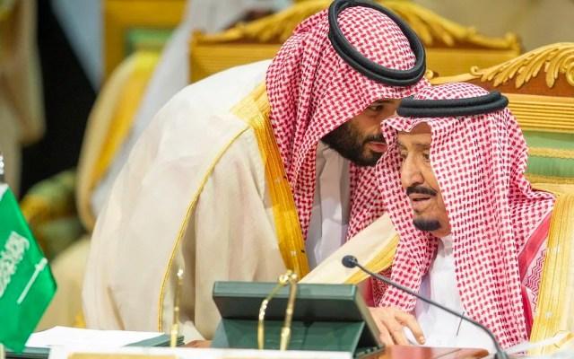 Arabia Saudita convoca a reunión urgente para equilibrar mercado petrolero por COVID-19 - Arabia Saudita solicitó a los miembros de la Organización de Países Exportadores de Petróleo y los productores liderados por Rusia (OPEP+) una reunión urgente