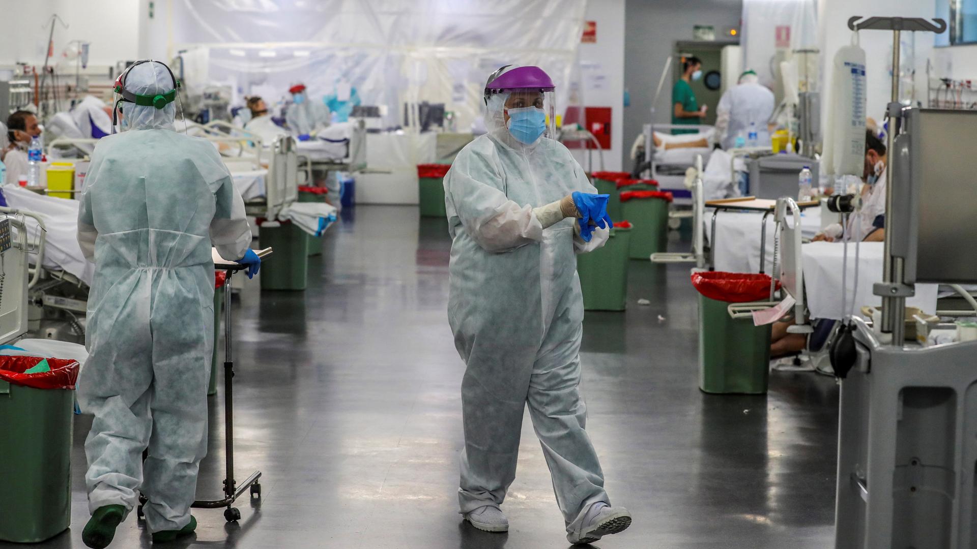 Vuelven a caer las muertes y los contagios en España