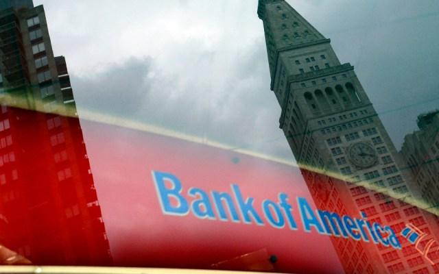 Banca de EE.UU. recorta beneficios y eleva reservas ante potencial morosidad - Foto de EFE