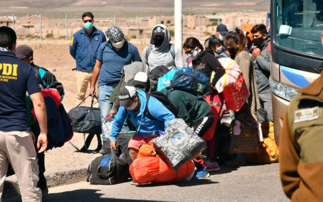 Bachelet urge a Latinoamérica a no impedir regreso de migrantes por COVID-19 - Foto de EFE