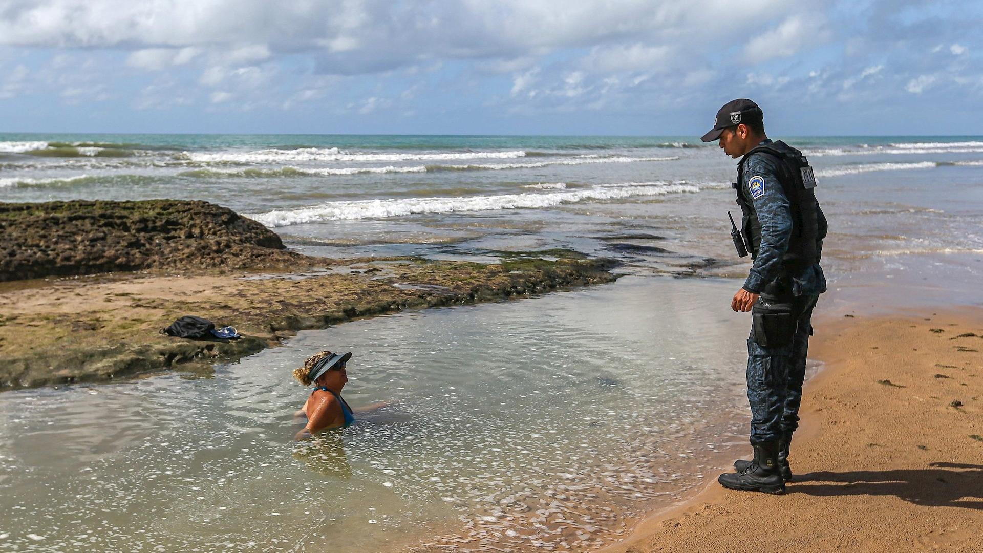 Brasil playa Recife turistas 2Brasil playa Recife turistas 2