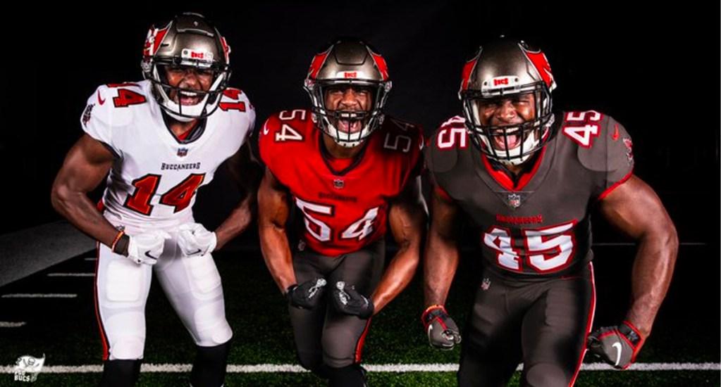 """Tampa Bay presenta nuevos uniformes para el inicio de temporada con Tom Brady - En el comienza de la era Brady en Tampa, los """"Bucs"""" revelaron su nuevo conjunto de atuendos que portarán para la próxima campaña"""