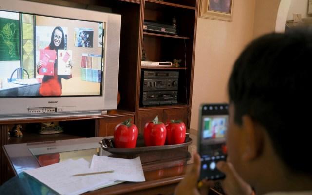 SEP informará el 16 de agosto canales y horarios de clases por televisión - Clases a distancia en México por COVID-19. Foto de EFE