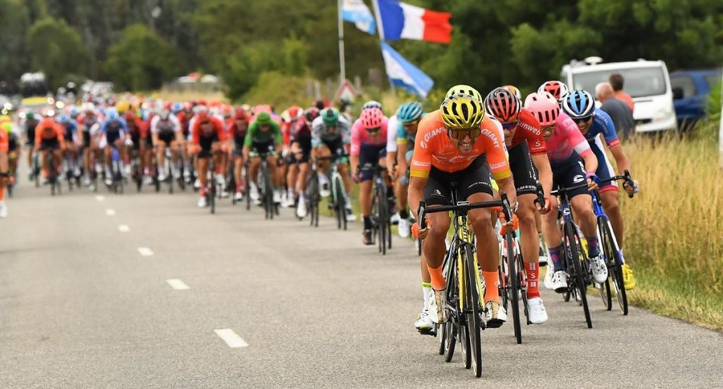 Analizan posponer Tour de Francia por COVID-19 - Competidores del Tour de Francia. Foto de @letourdefrance
