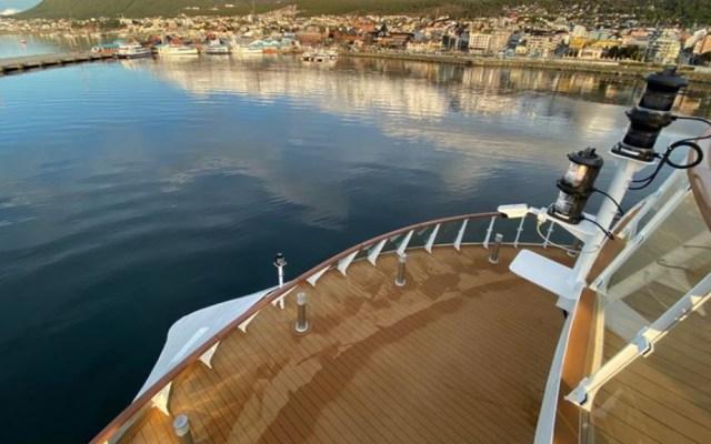 Más de la mitad de personas a bordo de crucero varado en Uruguay están infectadas de COVID-19 - Crucero Greg Mortimer Australia