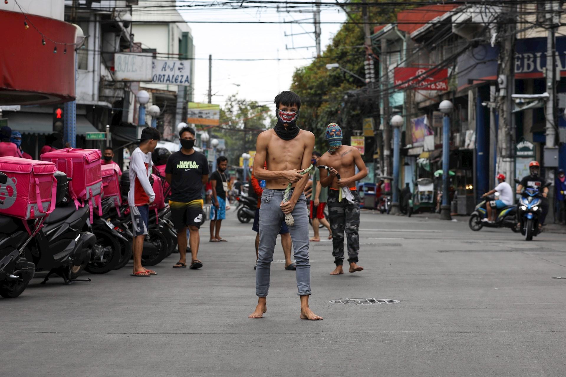 Filipinas viernes santo COVID-19