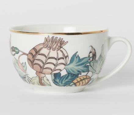 Retazos de un cuento sobre una taza de porcelana