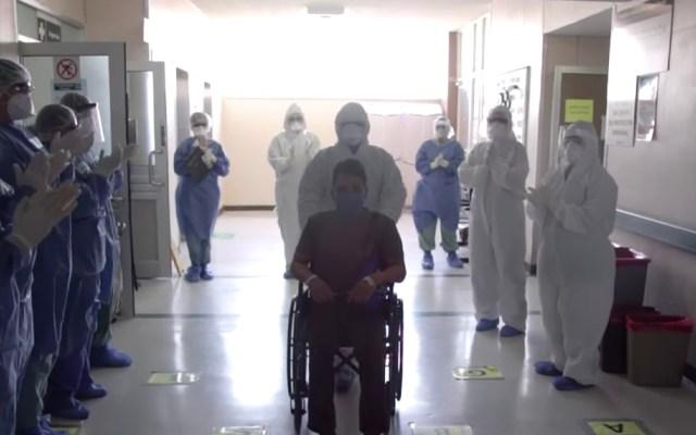 #Video Personal médico del IMSS en Mexicali despide con aplausos a paciente recuperado de COVID-19 - En Mexicali se han contagiado 242 personas con COVID-19, y 26 han muerto, mientras que a nivel estatal son 652 los casos confirmados y 81 decesos