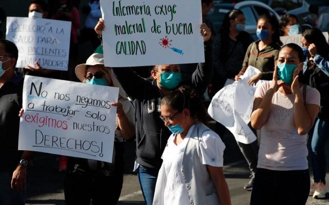 Protestan en Hospital del ISSSTE por contagios de COVID-19 en personal médico - Foto de EFE