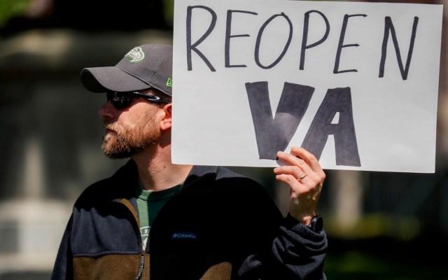 Protestas presionan para que se levante cuarentena por COVID-19 en EE.UU. - Foto de EFE
