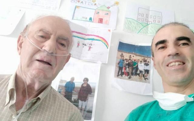 Hombre permanece más de un mes junto a su padre internado en hospital por COVID-19 - Regino y Juan Antonio en la habitación del Hospital del Henares