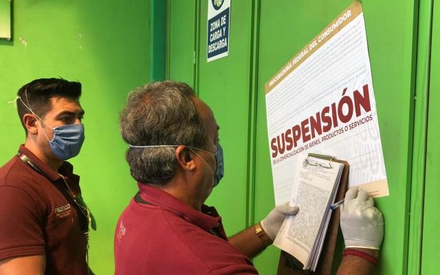 Sancionan a 14 negocios en Coahuila por aumento injustificado de precios - Suspensión de actividades a negocio en Saltillo, Coahuila, por precios abusivos. Foto de @ReyesFloresH
